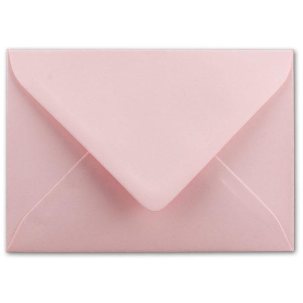 Umschlag B6, Farbe: rosa, Grammatur: 110 g/m², spitze Klappe, Naßklebung