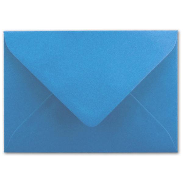 Umschlag B6, Farbe: hellblau, Grammatur: 110 g/m², spitze Klappe, Naßklebung