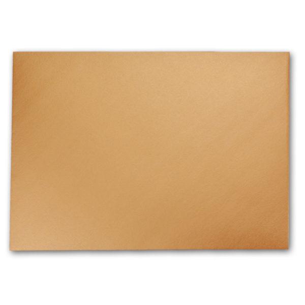 Umschlag B6, Farbe: kupfer, Grammatur: 90 g/m², spitze Klappe, Naßklebung