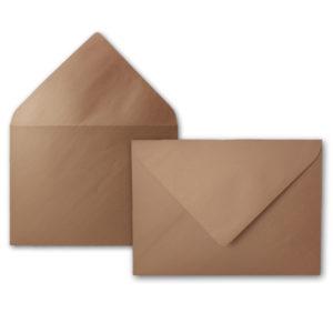 Umschlag B6, Farbe: bronze, Grammatur: 90 g/m², spitze Klappe, Naßklebung
