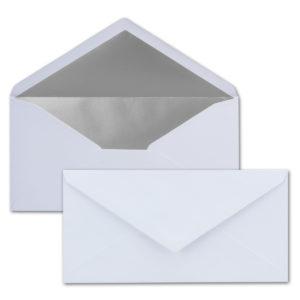 Briefumschlag DL, Farbe: weiß, Grammatur: 120 g/m², spitze Klappe, Naßklebung, Seidenfutter: silber