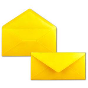 Umschlag DL, Farbe: gelb, Grammatur: 120 g/m², spitze Klappe, Naßklebung