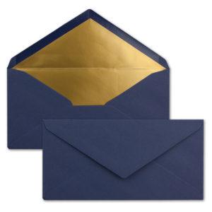 Briefumschlag DL, Farbe: weihnachtsblau, Grammatur: 120 g/m², spitze Klappe, Naßklebung, Seidenfutter: gold