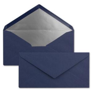 Briefumschlag DL, Farbe: weihnachtsblau, Grammatur: 120 g/m², spitze Klappe, Naßklebung, Seidenfutter: silber