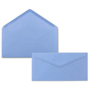 Umschlag DL, Farbe: hellblau, Grammatur: 110 g/m², spitze Klappe, Naßklebung