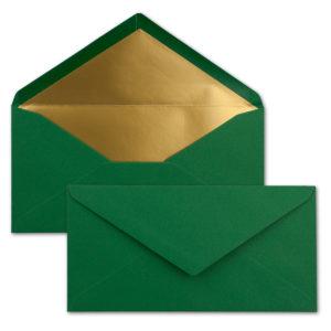 Briefumschlag DL, Farbe: weihnachtsgrün, Grammatur: 120 g/m², spitze Klappe, Naßklebung, Seidenfutter: gold