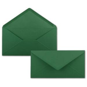 Umschlag DL, Farbe: dunkelgrün, Grammatur: 120 g/m², spitze Klappe, Naßklebung