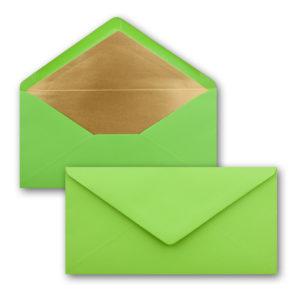 Briefumschlag DL, Farbe: hellgrün, Grammatur: 120 g/m², spitze Klappe, Naßklebung, Seidenfutter: gold