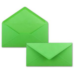 Umschlag DL, Farbe: hellgrün, Grammatur: 120 g/m², spitze Klappe, Naßklebung