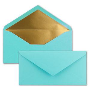 Briefumschlag DL, Farbe: türkis, Grammatur: 120 g/m², spitze Klappe, Naßklebung, Seidenfutter: gold