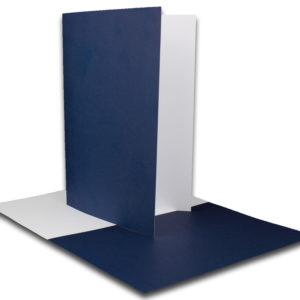 Einlegeblatt weiß, 1. Seite dunkelblau bedruckt, Grammatur: 90/m², B6