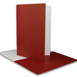 Einlegeblatt weiß, 1. Seite dunkelrot bedruckt, Grammatur: 90/m², B6