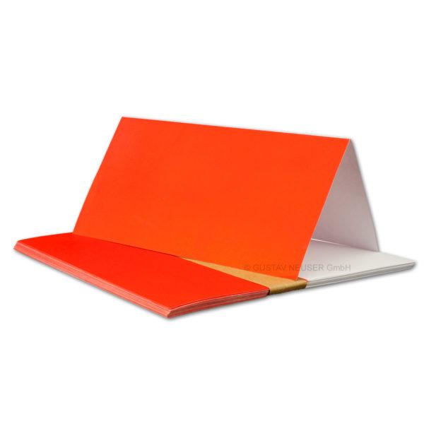Einlegeblatt weiß, 1. Seite rot bedruckt, Grammatur: 90/m², DL